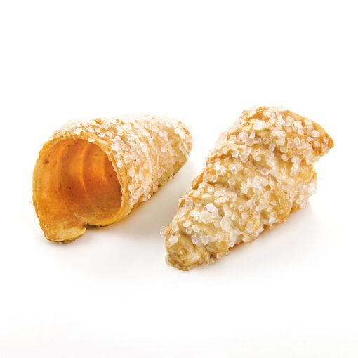 Mini cono de hojaldre con azúcar perlado