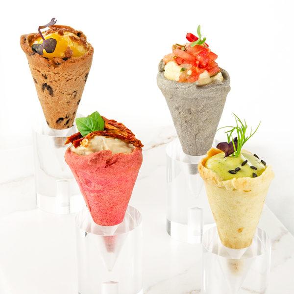 Mini conos surtidos de pasta brisa (sabor dulce y nuetro)